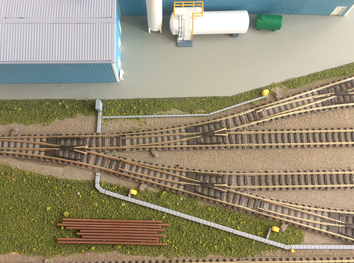 N Scale Concrete Cable Trough 3mm 3d printed 3mm and 1.5mm wide cable troughs next to the tracks