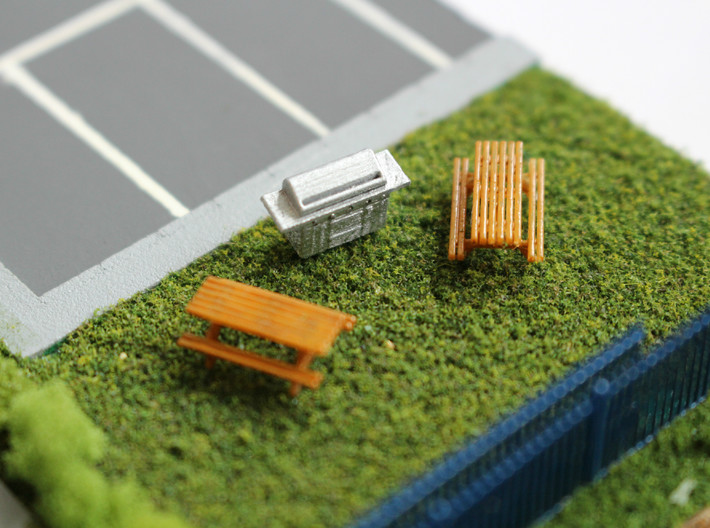 N Scale 2x BBQ 3d printed 2 benches and a barbecue, painted,