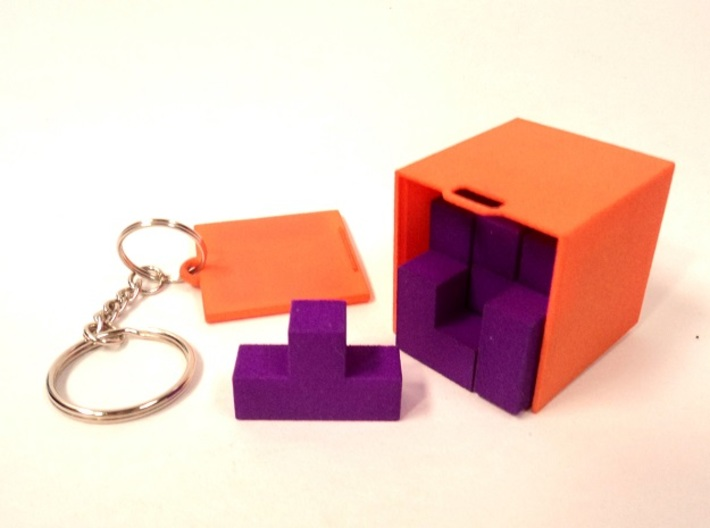 "Box for small ""SOMA cube"" (please see the product) 3d printed Box (for SOMA cube) that can be connected to a keychain"