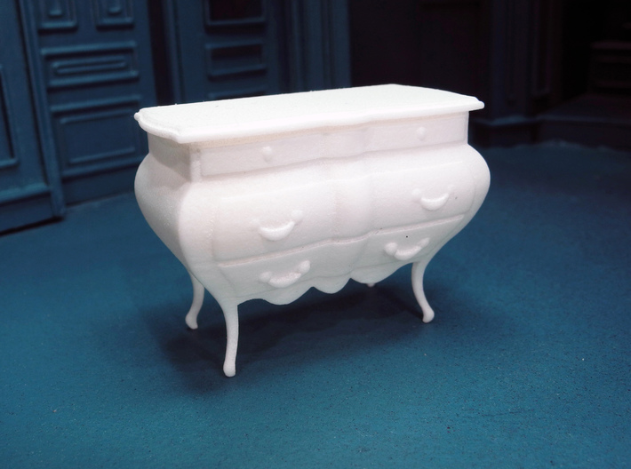 1:24 Bombe Chest 3d printed Printed in Polished, White, Strong & Flexible