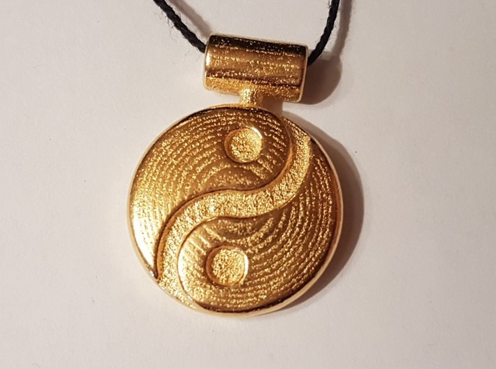 Yin Yang Pendant 3d printed Photo Polished Gold Steel