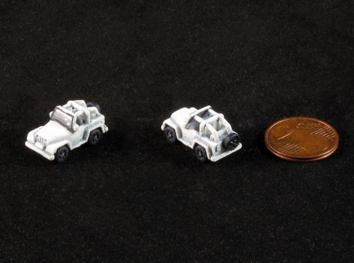 Miniature Jeep (1 pc) 3d printed Hand-painted model (front & back view, 2€ cent coin for scale).