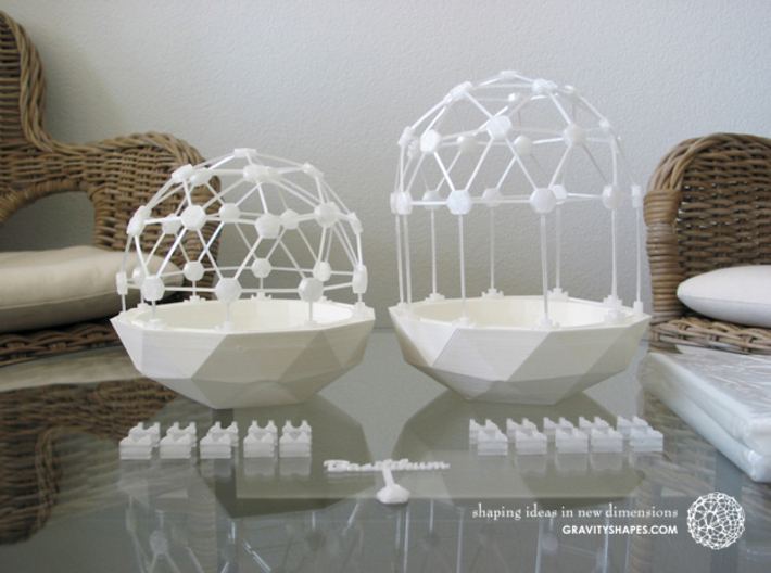 Mini Greenhouse-Dome Set #2 - long (clickable) 3d printed Flexible Mini Greenhouse-Dome with Pot (Sets short and long). Own 3D-prints with white/transparent PLA.