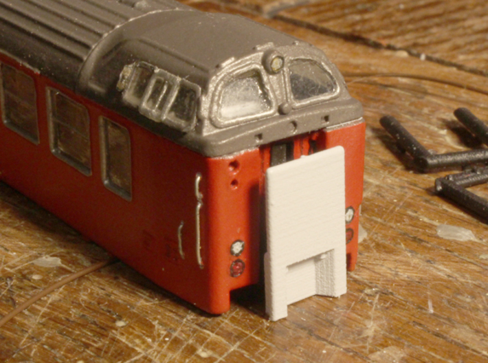 DSB class Bns cab car N scale 3d printed There is also an optional door bliner for the front door.