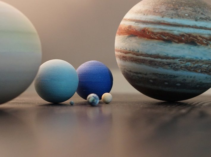 The 8 planets of the Solar System to scale 3d printed