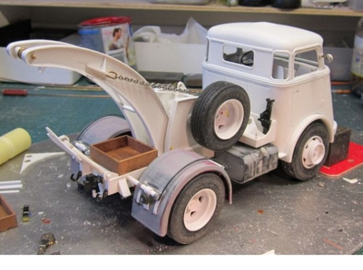 Cab-7S-1to24 3d printed if you are in trouble, call for the towing DAF Truck of E. Fontein (NL)