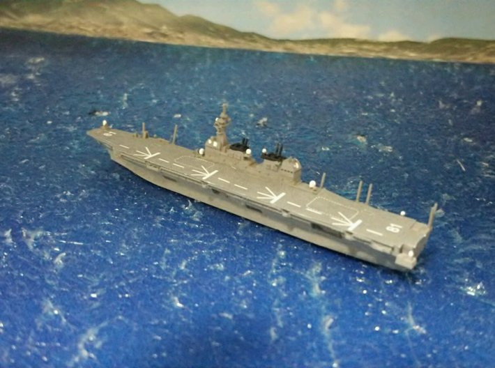 1/2000 JS Hyūga-class helicopter destroyer 3d printed painted and decal