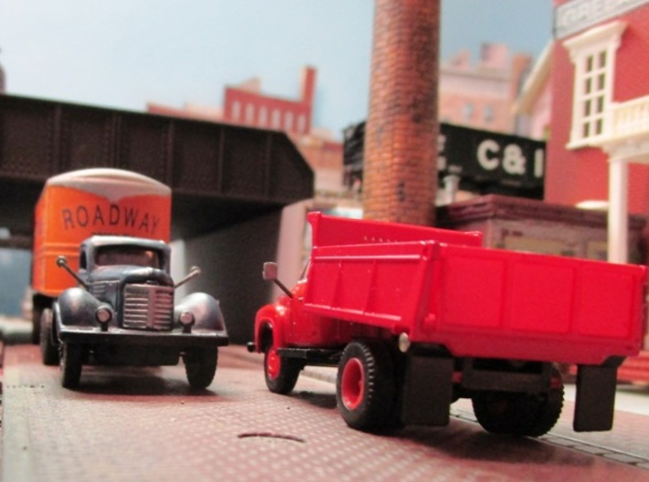 HO Truck Mirrors-4 Pairs 3d printed Round and rectangular mirrors shown on an old IMEX International KB and a CMW '54 Ford Cab