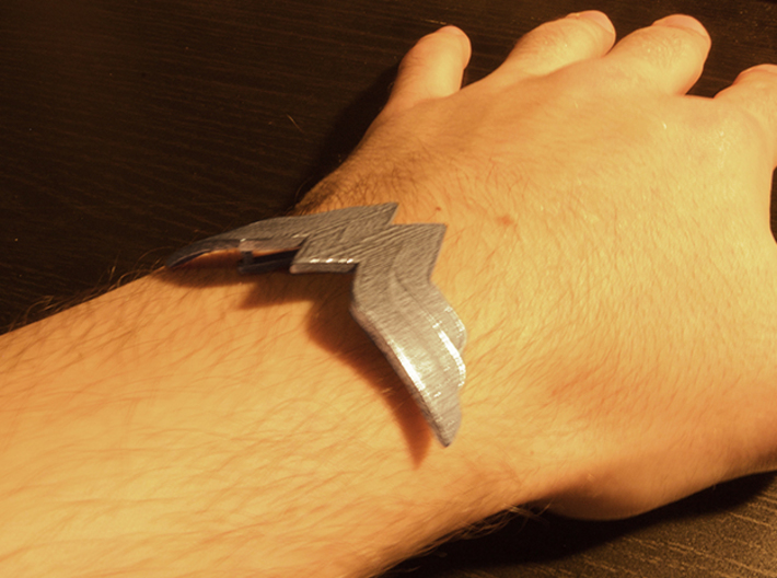 Wonder Woman Bracelet 3d printed Scale Photo