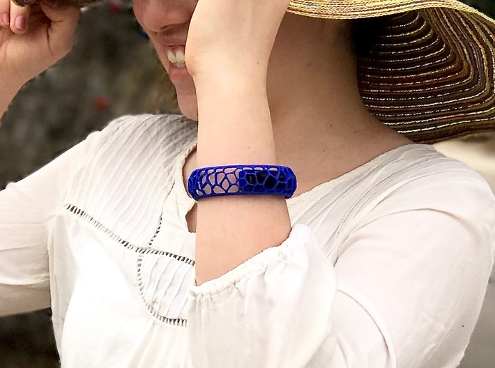 Coral Cuff for Fitbit Flex2 3d printed Shown in blue strong and flexible