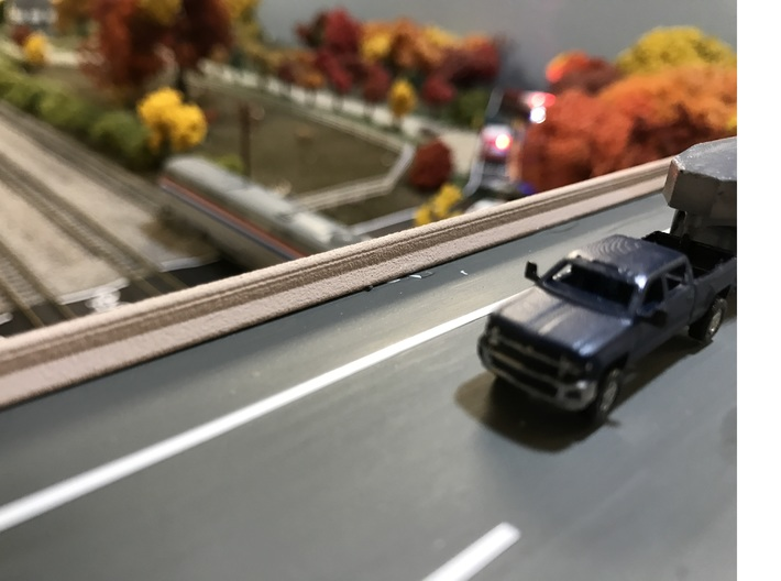 Freeway Bridge Barrier and Lane Divider Set 1:160 3d printed Bridge barrier shown in use on a freeway overpass N Scale Model