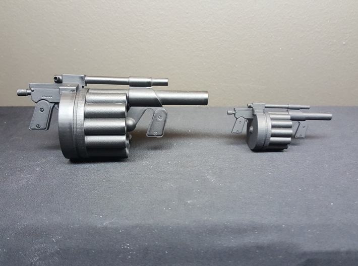 Hawk MM1 Grenade Launcher 1:10 scale 3d printed 1:10 scale on the right, 1:6 scale on the left.
