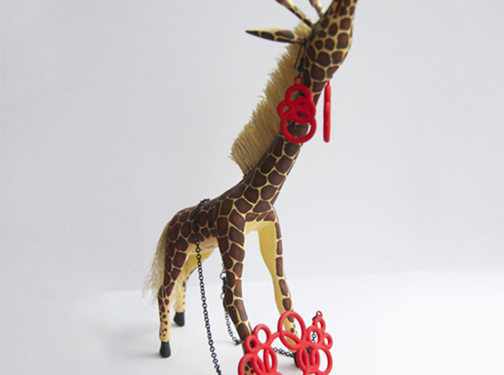 Michelin-like necklace 3d printed if a giraffe would wear the set