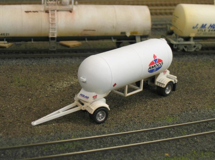 HO 1/87 LPG tri-axle tanker, trailer 15 3d printed My LPG 'pup', note the A-frame swivels &  the dolly rotates.
