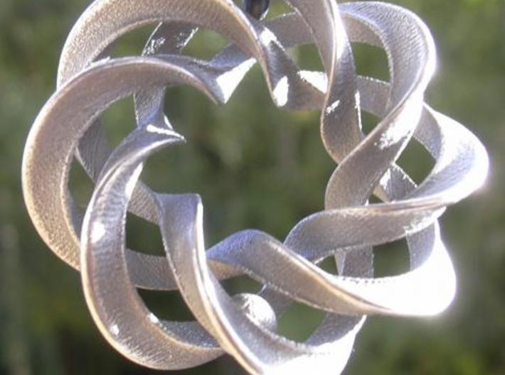 3 strand mobius spiral NO ball - Pendant 3d printed Photo