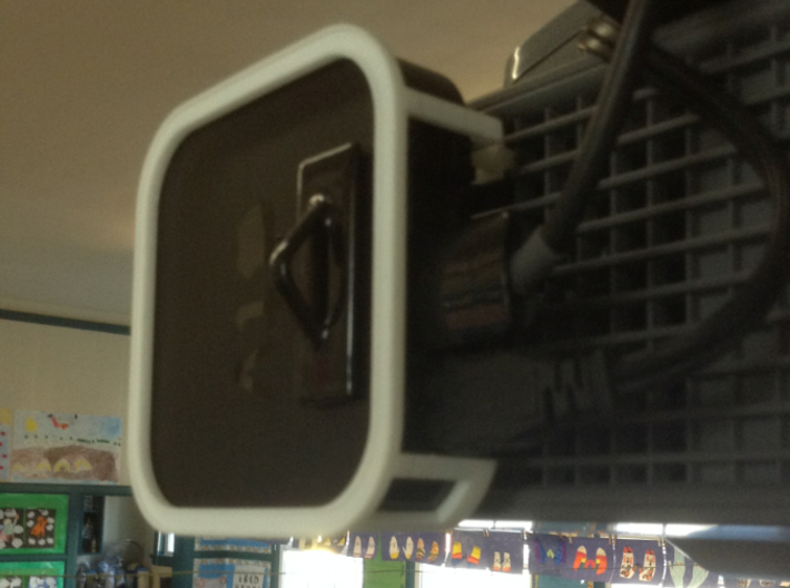 AppleTV UF55 / UF65 (SmartBoard) projector mount 3d printed Prototype in use