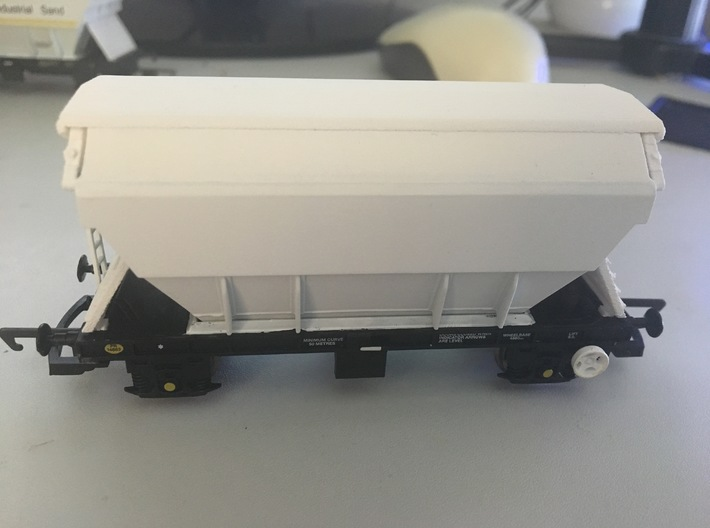 """PAA42 BIS """"PAA"""" Sand Hopper Wagon (sealed top -pai 3d printed On the model"""