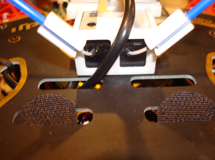 RX Mount 3d printed close up of antenna tube mounting lugs