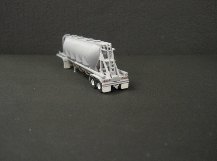 N scale 1/160 J&L/Heil 1636 Dry Bulk Trailer 18 3d printed I picked out the lights in gloss paints.