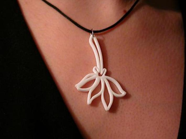 Pressed Flower Pendant 3d printed WSF Polished