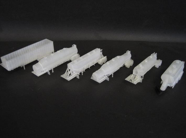N scale 1/148 Fruehauf Bulk Grain Trailer 40' 3d printed The detail on these N-scale models is amazing.