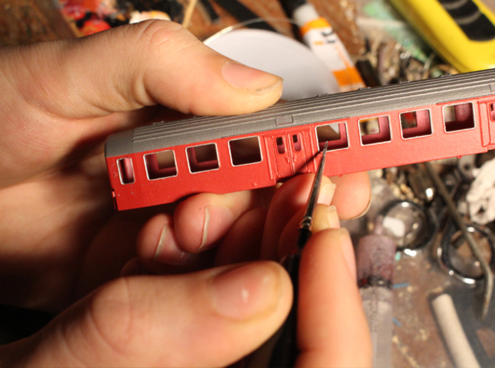 DSB class Bn coach N scale 3d printed Gently paint the inside of the window frames, black for the door windows silver for the rest