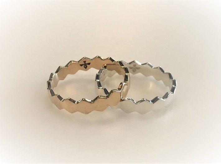 Hex Ringsaround Size 6-10 3d printed Polished Silver and Polished Bronze