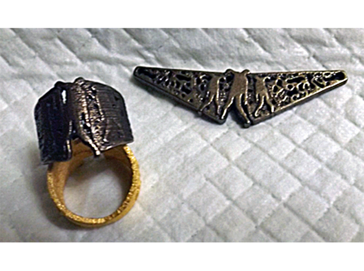 Zombie Filigree Ring 3d printed Zombie Filigree in Polished Bronze Steel compared to Matte Gold Steel