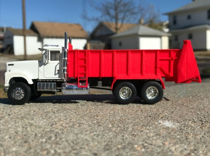1/64 Scale Horizontal Beater Spreader short box 3d printed