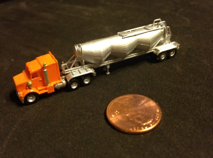 KW Extended Cab Z Scale 3d printed cab painted Z scale