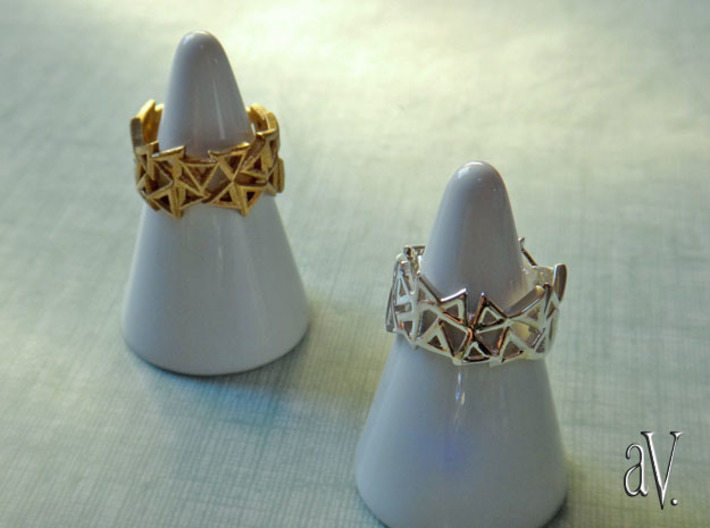 Scatter Triangle Ring 3d printed