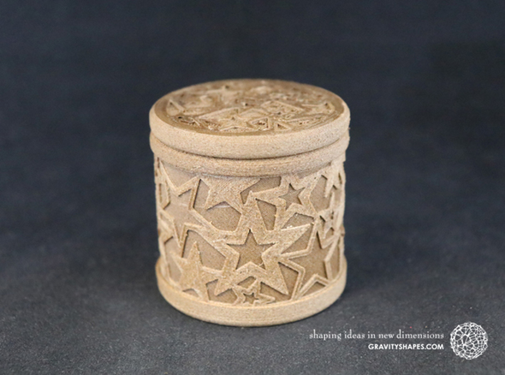 Gift Box No. 1 with Stars (solid, high) 3d printed The photo shows an own print (FDM print) made of brown wood incl. decorative lacing.