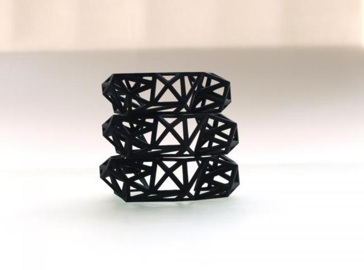 TRIANGULATED CUFF     3d printed