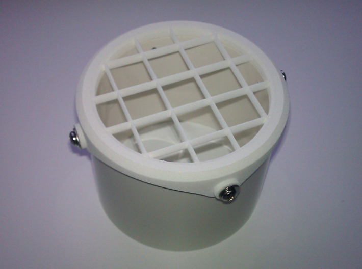PVC Vent Screen Overlap Cap 3d printed Screen mounted on PVC pipe - front detail