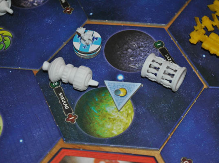 Human Carrier 3d printed The carrier with a compliment of fighters in a game of Twilight Imperium 3 protecting a human Spacedock