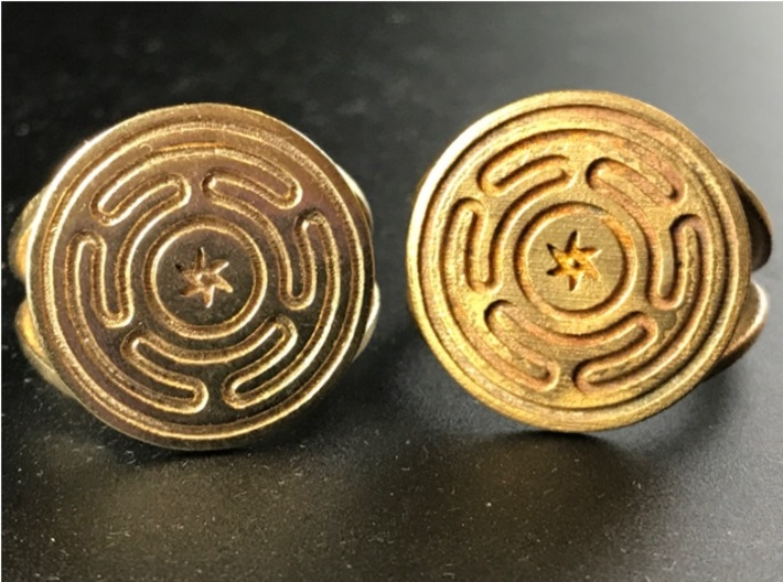Wheel of Hecate ring (choose size) 3d printed Raw brass on the left, raw bronze on the right. The bronze version was printed three years before the brass. You can see how Shapeways' printing/polishing has improved.