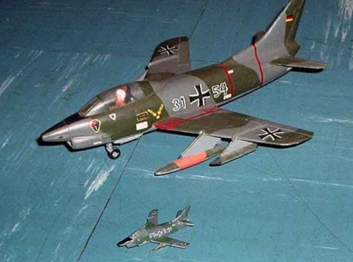 1/300 FIAT G91 R/3 3d printed This model (front) with a 1/72 scale model (rear)
