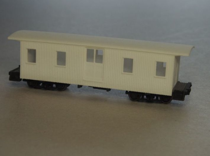 HOn30 30ft Baggage Car A 3d printed Body seated onto the chassis (painted). Trucks not included.