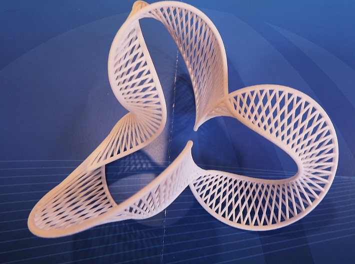 Twisted Trifolium 3d printed