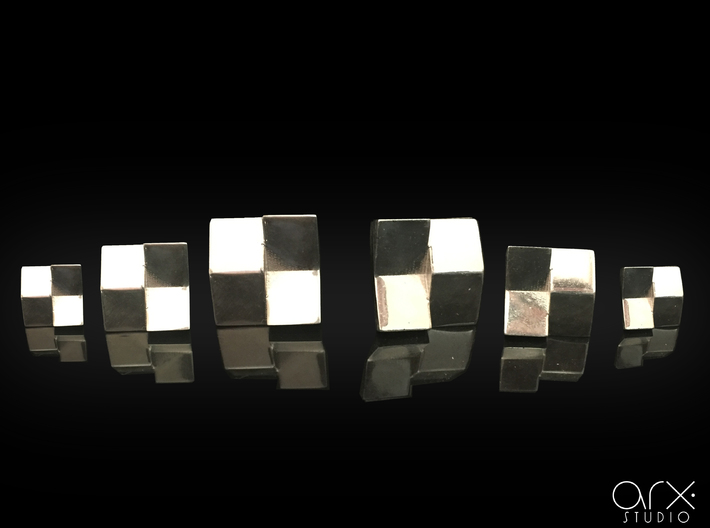 Chequered Earrings 3d printed Photo by ARX Studio. Printed in México