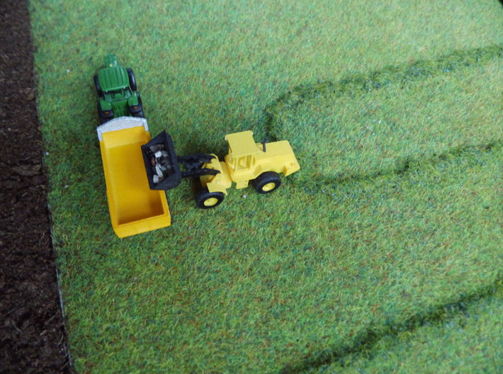 1:160/N-Scale Loader 3d printed Add a caption...