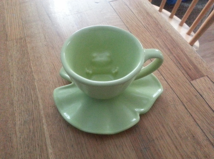 Lily Pad Saucer 3d printed *Shown with the additional 'Frogspresso' cup, not included. lowlight, grainy =\