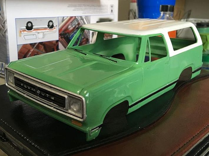 1/24 1974 Plymouth Trailduster Bonnet 3d printed painted sample