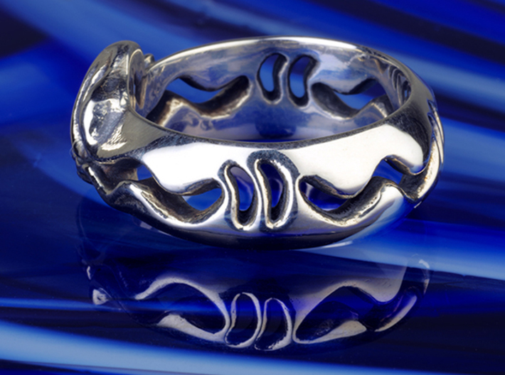 Sea Snake Ring. 3d printed Photo of Sea snake in Antique Silver.