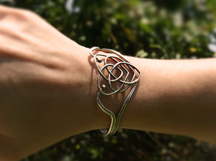 Celtic Motherhood Knot Braclet 3d printed Polished Silver
