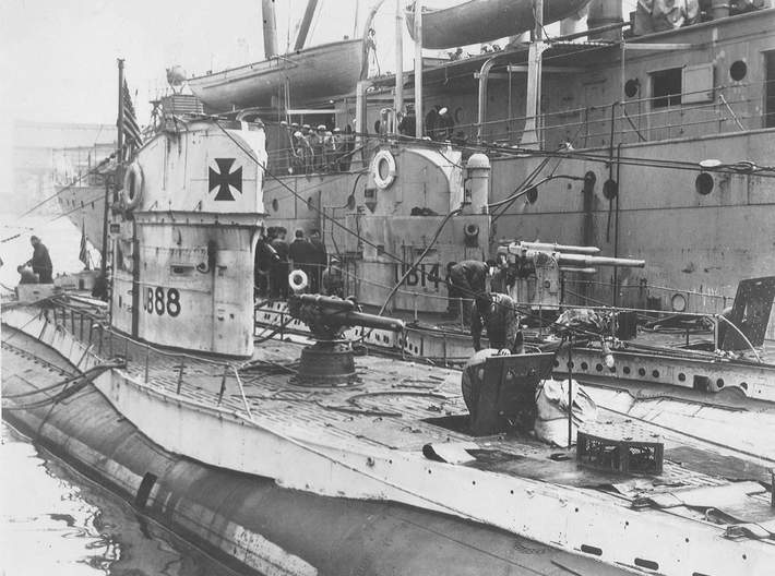 Submarine Type UBIII of WW1 Set of 3 3d printed UB88 and UB148 tied up at New York after the war.