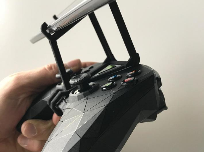NVIDIA SHIELD 2017 controller & LG Q60 - Over the  3d printed SHIELD 2017 - Over the top - side view