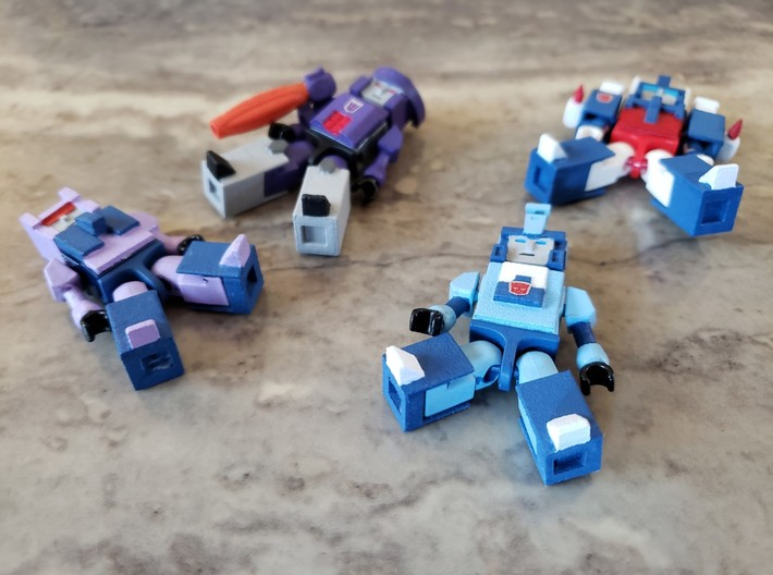 Armor for Blurr, Magnus Kreons (Set 1 of 2) 3d printed Example of how heads, vests, legs are added to Kreons