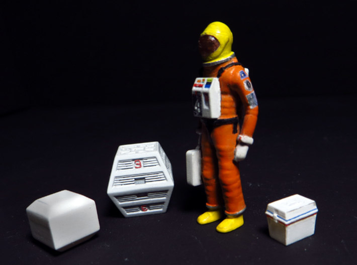 SPACE 2999 1/48 ASTRONAUT TWO SET 3d printed One of the astronauts and some modules already painted.
