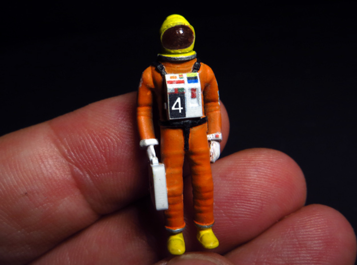 SPACE 2999 1/48 ASTRONAUT TWO SET 3d printed One of the astronauts painted.